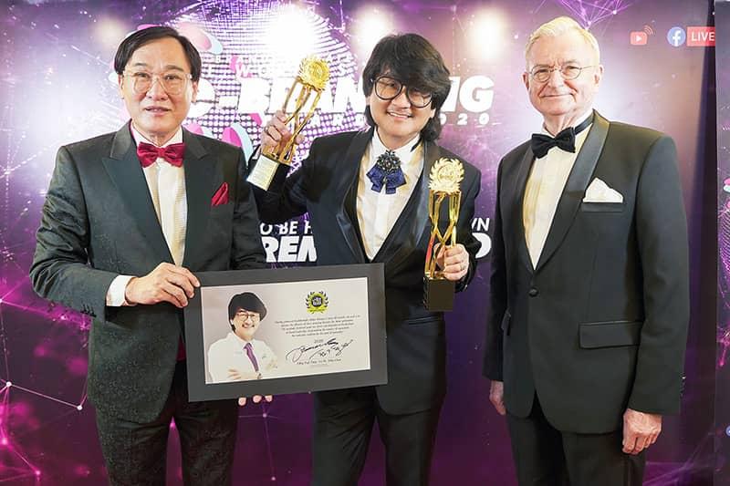 THROWBACK: Prof. Dato' Sri Dr. Mike Chan Wins Big At BrandLaureate Awards 2020!